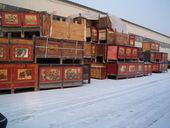 Un carico di madie mongolie sul suolo innevato
