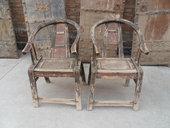 Coppia di sedie cinesi con schienale a ferro di cavallo