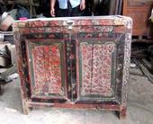 Mobiletto cinese del Fujan con decoro in rilievo