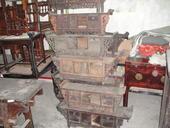 Deliziosi altarini cinesi domestici con raccordi intagliati