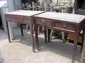 Scrivanie cinesi in olmo con cassetti intagliati