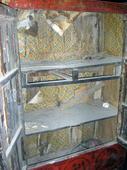 Dettaglio dell'interno dell'armadio