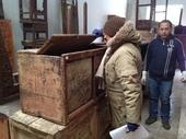 Simona valuta come restaurare questa antica cassapanca cinese