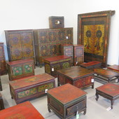 Porta Tibetana E Tavolini Tibet