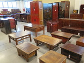 Tavolini Cinesi E Armadi
