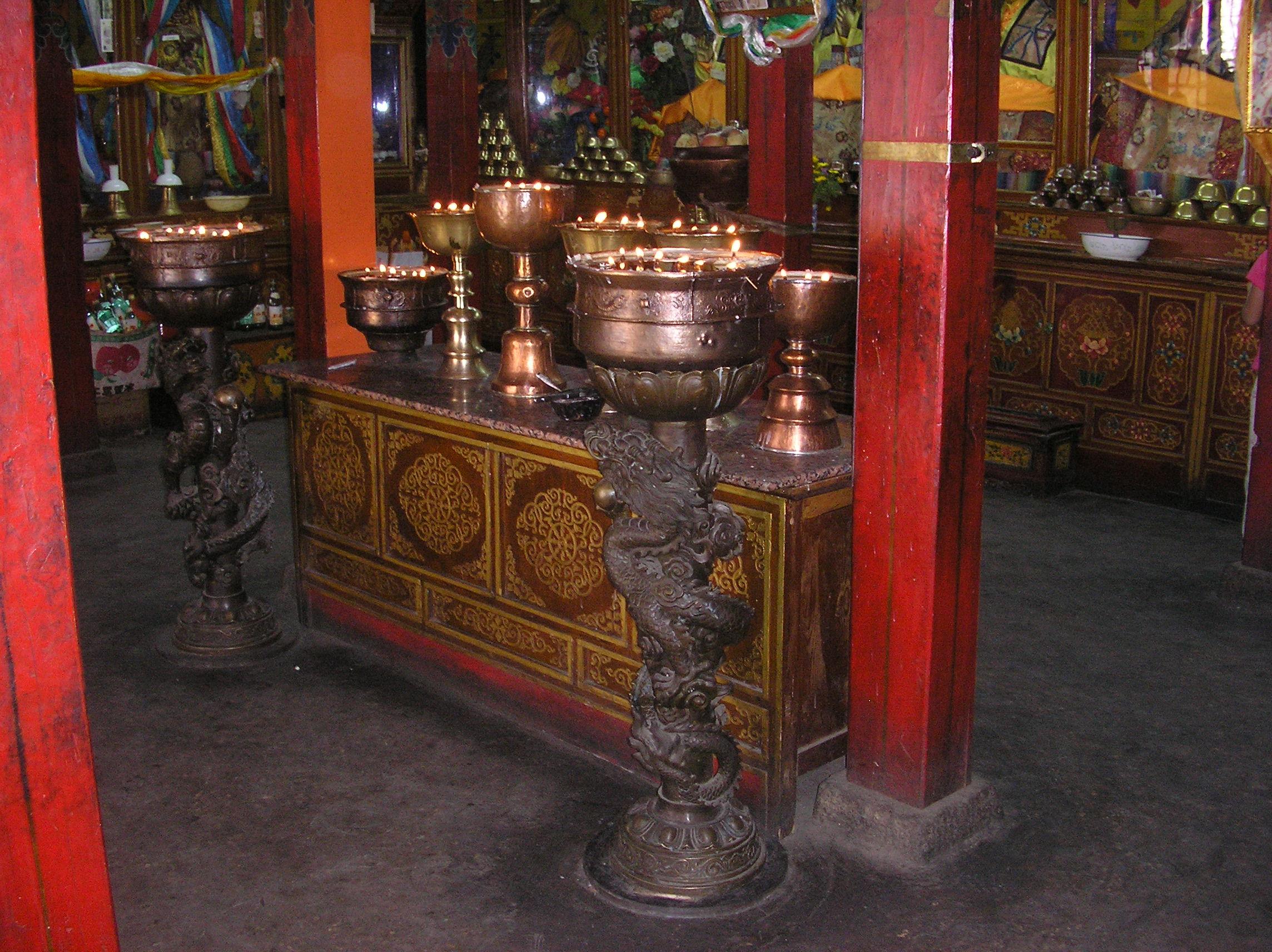 Mobili Cinesi Usati : Latitudini mobili le tipologie dei mobili tibetani