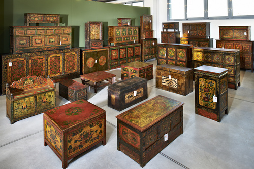 Latitudini mobili la collezione di mobili tibetani - Mobili etnici a roma ...